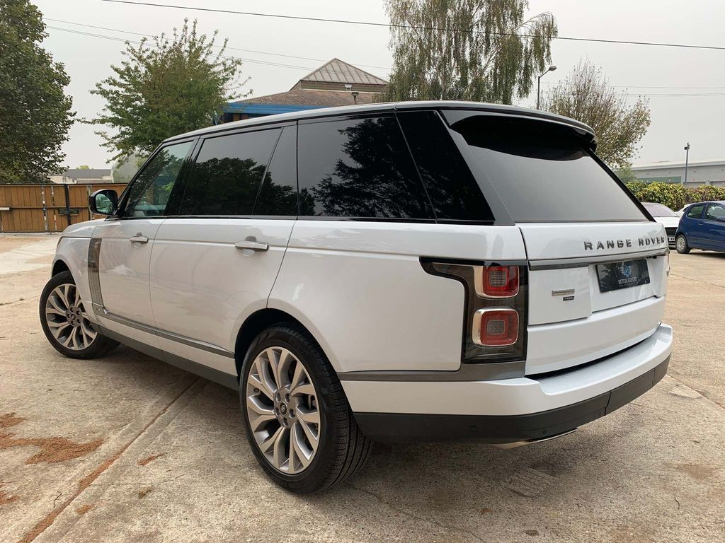 Land Rover Range Rover 5 - About Us